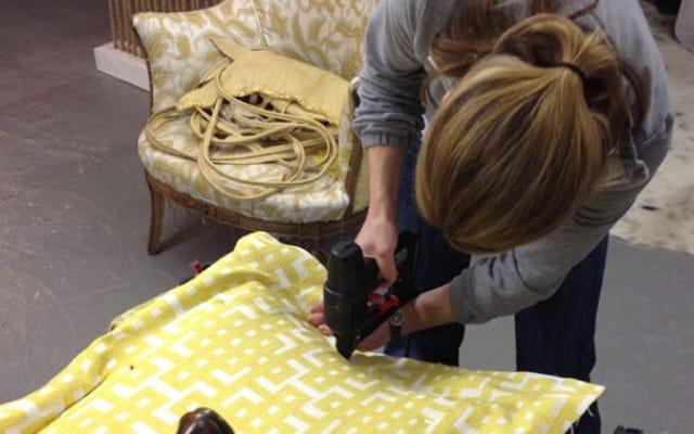 古い家具を張り替える方法