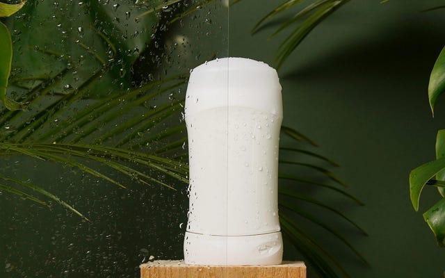 La differenza tra antitraspirante e deodorante (e come sapere quale usare)