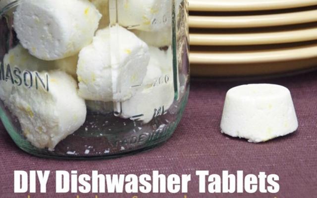 Les tablettes pour lave-vaisselle DIY nettoient votre vaisselle à bon marché