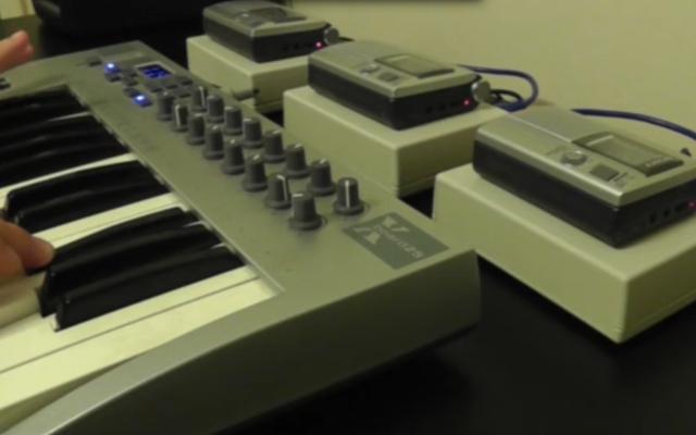 Hacker convierte a los reproductores de casette en un sintetizador de bricolaje espeluznante