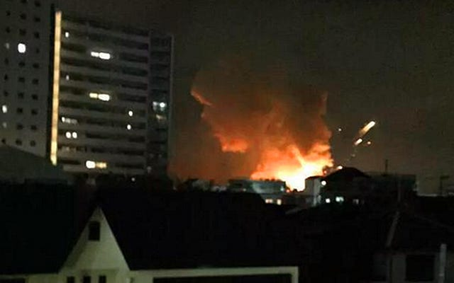 日本の米陸軍基地で大爆発が報告された