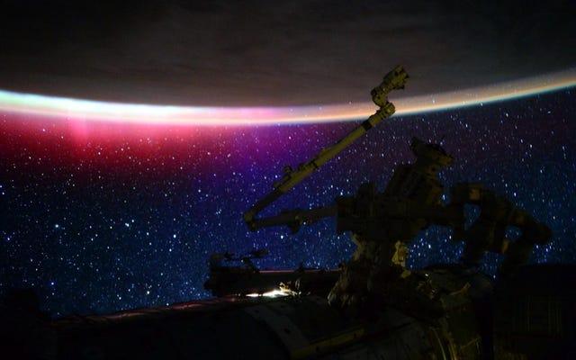 Diese Szene aus dem Weltraum ist fast zu perfekt, um real zu sein