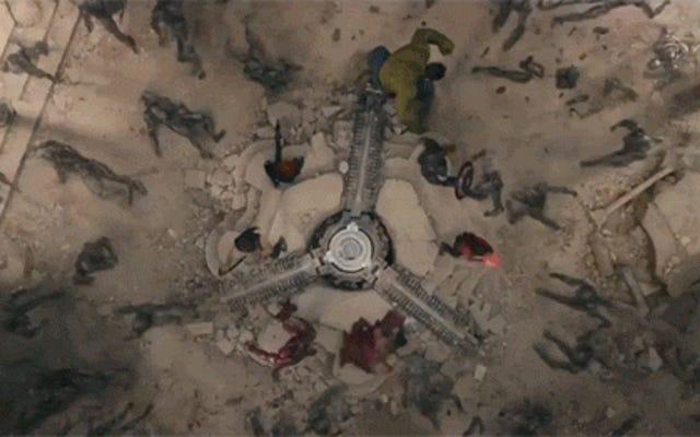 ใครเป็นผู้ทำลายล้างในภาพยนตร์ซูเปอร์ฮีโร่ ฮีโร่ หรือวายร้ายมากกว่ากัน?