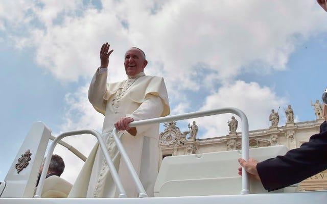 Chill Pope accélère les annulations pour les catholiques