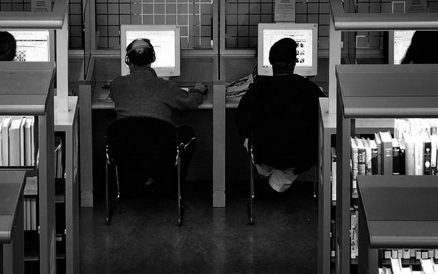 ห้องสมุดแห่งแรกที่เสนอหยุดการท่องเว็บแบบไม่ระบุชื่อภายใต้แรงกดดันของ DHS