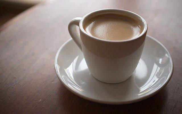一日の終わりにコーヒーを飲むと、内部時計が台無しになります