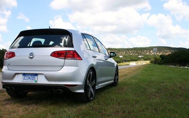 La Volkswagen Golf R del 2015 è brava in tutto e si diverte a farlo