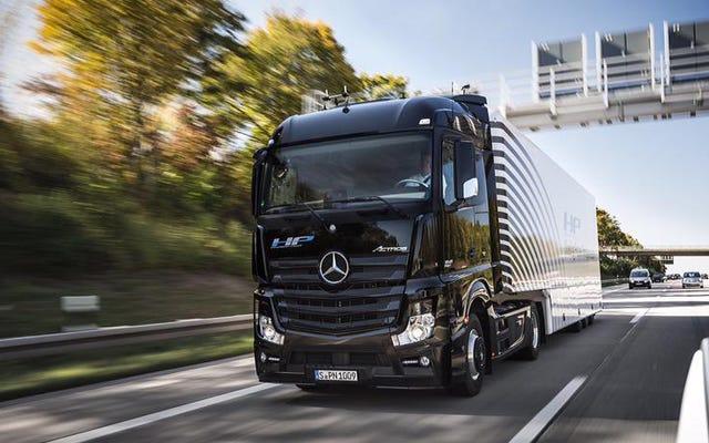 Truk Otonom Daimler Berhasil Menyelesaikan Pelayaran Perdananya Di Jalan Raya Umum