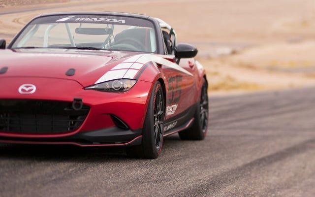 2016年のグローバルマツダMX-5カップレースカーの費用は次のとおりです
