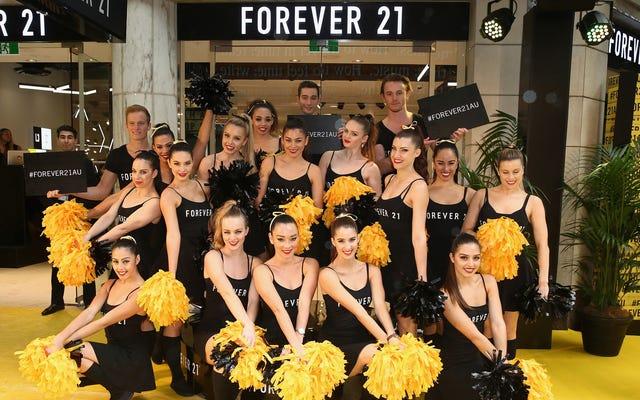 Forever 21 là nhà bán lẻ mới nhất bị kiện vì sử dụng các ca trực gây tranh cãi