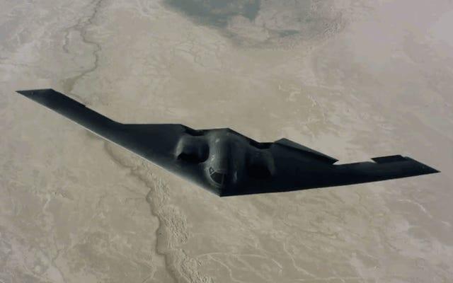 Este impresionante nuevo metraje del B-2 Stealth Bomber es el mejor de todos