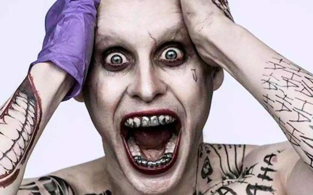 Ecco il nostro miglior sguardo al nuovo Joker di Jared Leto (e ai suoi pantaloni della tuta)