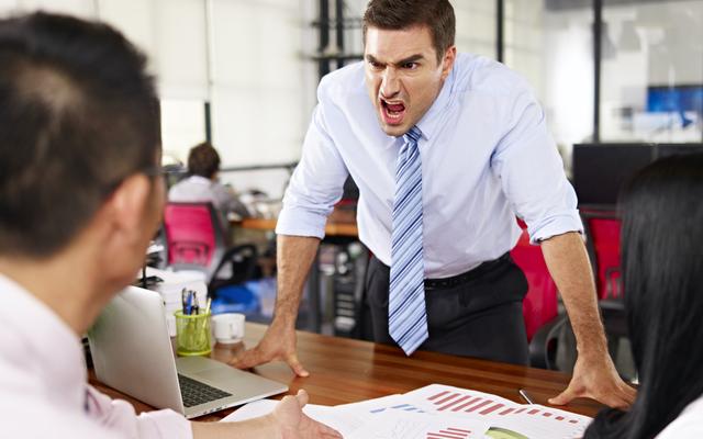 リーダーITホラーストーリー:悪いマネージャーが暴れ回るとき