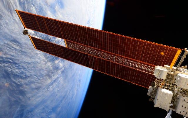 Los paneles solares son los caballos de batalla de la Estación Espacial Internacional