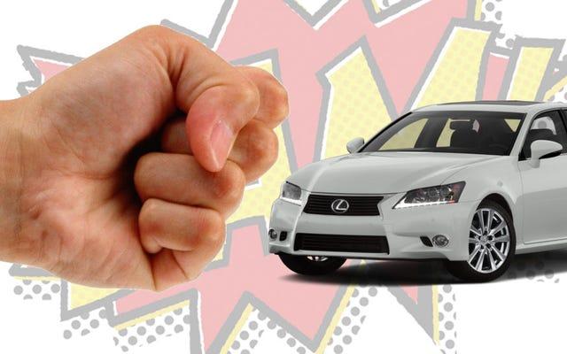Quelle voiture transformeriez-vous en une personne à laquelle vous donneriez un coup de poing au visage?