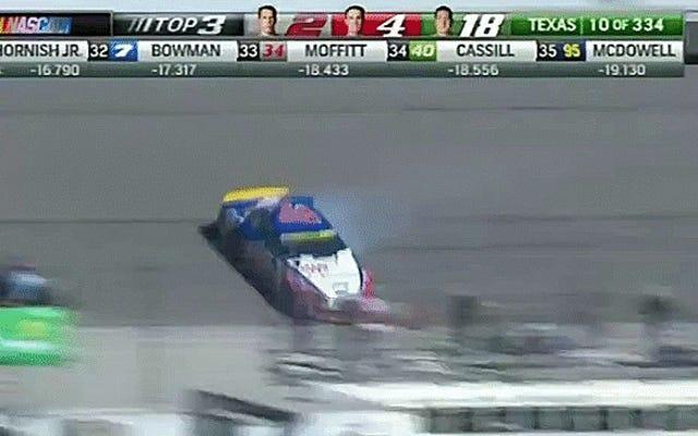 ยางของ Logano ระเบิดก่อนแข่งที่ Texas NASCAR Race; แฟน ๆ Kenseth ดีใจ