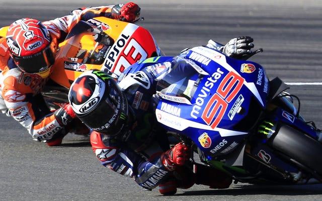 ロレンソが最後から4位までロッシが乗って3度目のMotoGP世界タイトルを獲得