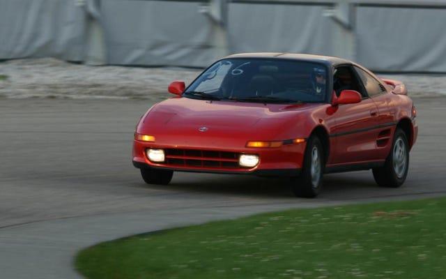 Десять автомобилей, которые вы никогда не позволили бы водить никому