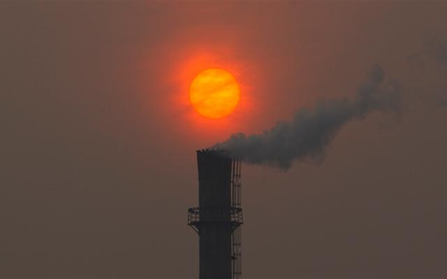 2015年10月は、記録的な気温による気候変動の極端な影響を示しています
