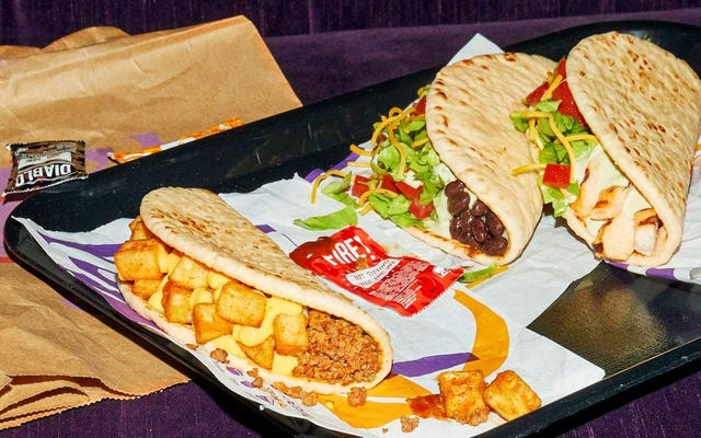 Taco Bell giới thiệu hai loại tacos bánh mì dẹt mới trong tuần này