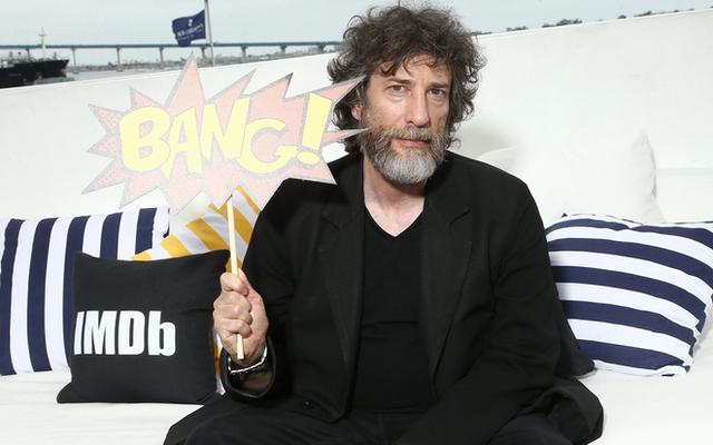 Neil Gaiman, orang yang menciptakan Sandman, membela keputusan untuk memilih aktor non-biner dan Hitam