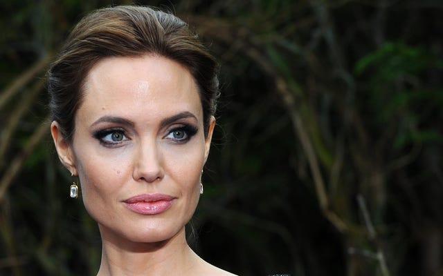 Saturday Night Social: Sudahkah Anda Membaca Profil Angelina Jolie Baru Ini?