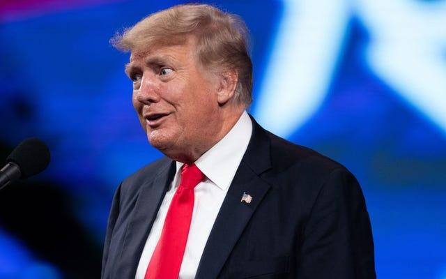 Trump Kehilangan Pikirannya, Lupa Bahwa Virus Corona Terjadi di Jam Tangannya