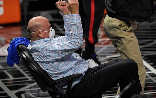 Steve Ballmer e altre celebrazioni ammirevolmente stupide dei proprietari di squadre sportive