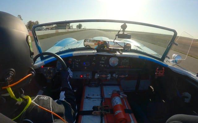 Из этой Cobra с двигателем Tesla получится отличный гоночный автомобиль