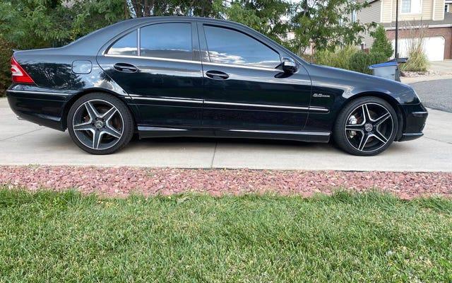 A $ 8.500, questa Mercedes C55 AMG del 2005 potrebbe vincere per un naso?