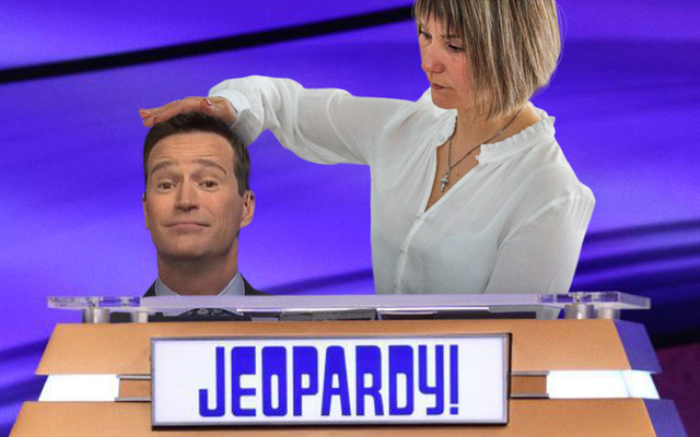 マイク・リチャーズが「ジェパディ!」のホストとして辞任 ブザーとしての役割の削減に