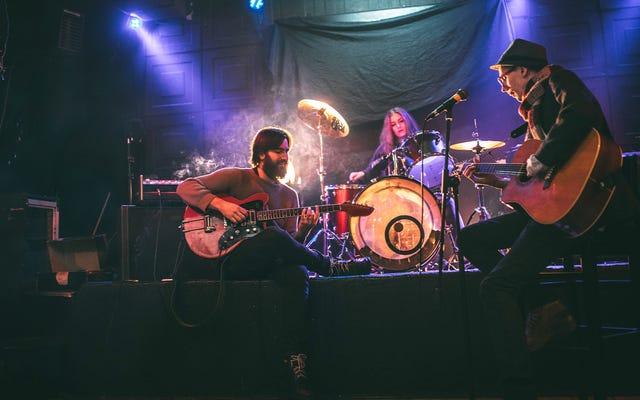 बैंड ने याद किया वापस जब वे 4 लोगों के बजाय 10 लोगों के लिए शो खेलते थे