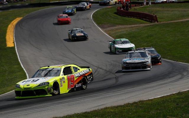 私は試してみますが、失敗するかもしれませんが、今週末のミッドオハイオ エクスフィニティ レースでの NASCAR のピット ストップ手順を説明します。