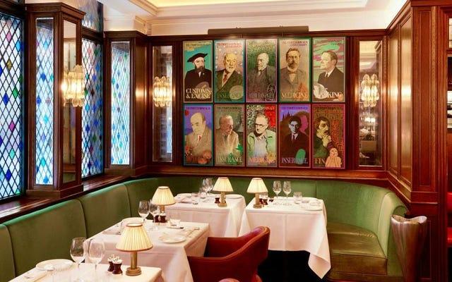 Point / Counterpoint: Di mana Anda berdiri (atau duduk) di tempat duduk jamuan makan di restoran?