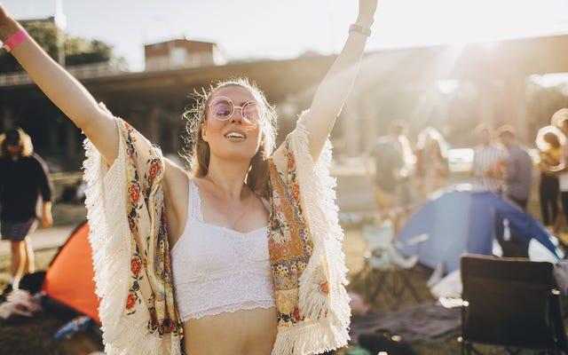 A los asistentes al festival de música les encanta el subidón que se obtiene al mezclar éxtasis con insolación