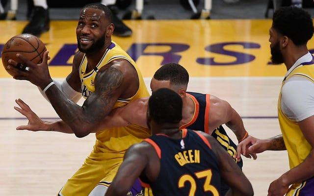 LeBron James minum tequila dengan Drake menunjukkan bahwa NBA telah melewati COVID