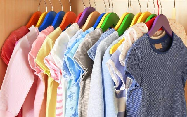 Ngừng gấp quần áo của con bạn (và các cách khác để giúp chúng giữ phòng của chúng ngăn nắp)