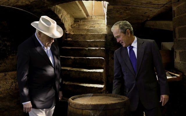 Bush, Cheney zostali ostatnimi żyjącymi członkami Tontine Przyrzeczenie za beczkę brandy