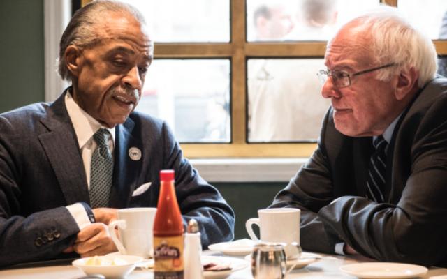 Al Sharpton ve Bernie Sanders, Harlem'deki Sylvia's'ta Kahvaltı Yapıyor