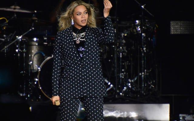 เบียร์ที่ดีที่สุดที่คุณไม่เคยมี: Beyoncéส่งจดหมายหยุดและเลิกจ้างถึงผู้ผลิตBiëryoncé