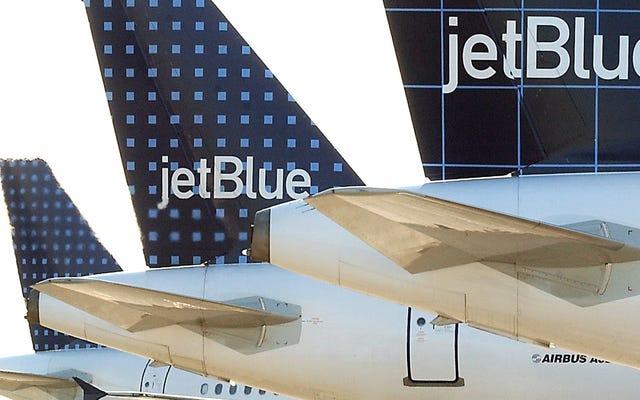 บิน JetBlue ในวันฮาโลวีนราคา $ 31