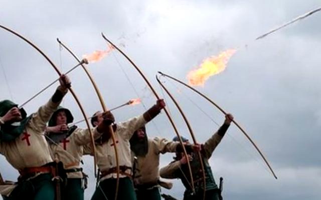 Xin lỗi nhưng quân đội thời trung cổ có lẽ không sử dụng mũi tên lửa