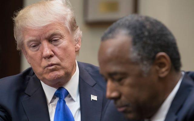 Y'allの1人は、Y'allの叔父のBen Carsonに電話、テキストメッセージ、または電子メールを送信して、奴隷は移民ではなかったことを彼に伝える必要があります。