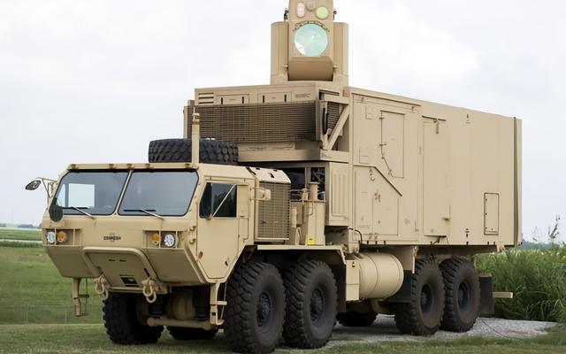 アメリカ海軍は飛行機を撃墜するのに十分強力なレーザー兵器に取り組んでいます