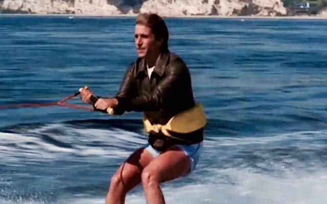 3部構成の「ハリウッド」では、ハッピーデイズは文字通りサメを飛び越えました
