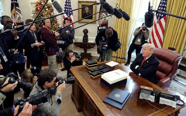 La Maison Blanche refuse de publier la photo du projet de loi de signature de Trump qui annule les restrictions des armes à feu pour la santé mentale