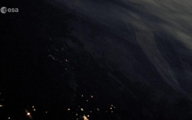 ソユーズロケット打ち上げのISS映像がハリウッドの監督を恥じさせる