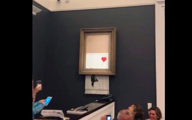 Banksys vorhersehbare Kritik am Kapitalismus setzt sich mit selbstvernichtender Malerei fort