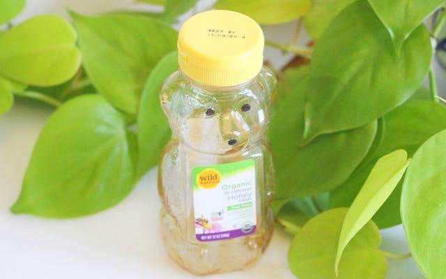 Faire une vinaigrette dans une bouteille de miel presque vide