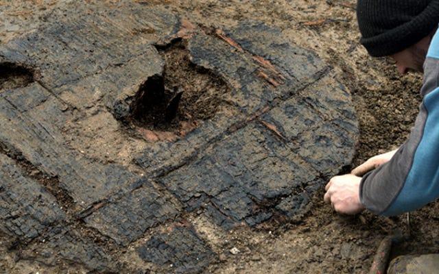 इसने पूरी तरह से ब्रिटेन में 3,000 साल पुराने व्हील को खोद दिया है